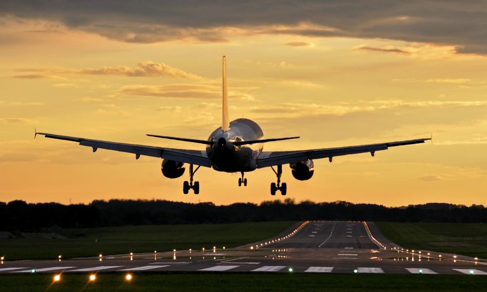 http://4ru.es/images/aeropuerto-left.jpg